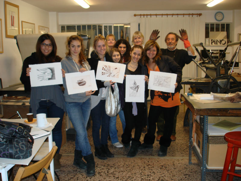 """Psychiko CollegeI.B. Visual Arts studentsvisit to """"The Athens Printmaking Centre"""""""